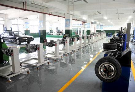 汽车构造与维修实训室