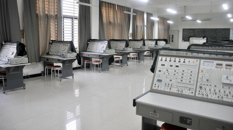 电子学综合实验室