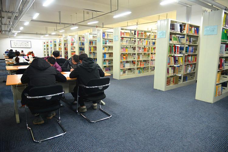 书库阅览区