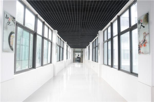 众创空间走廊