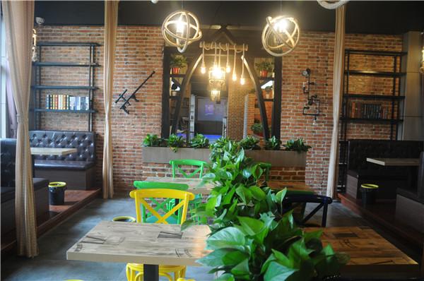 咖啡厅漂亮灯光